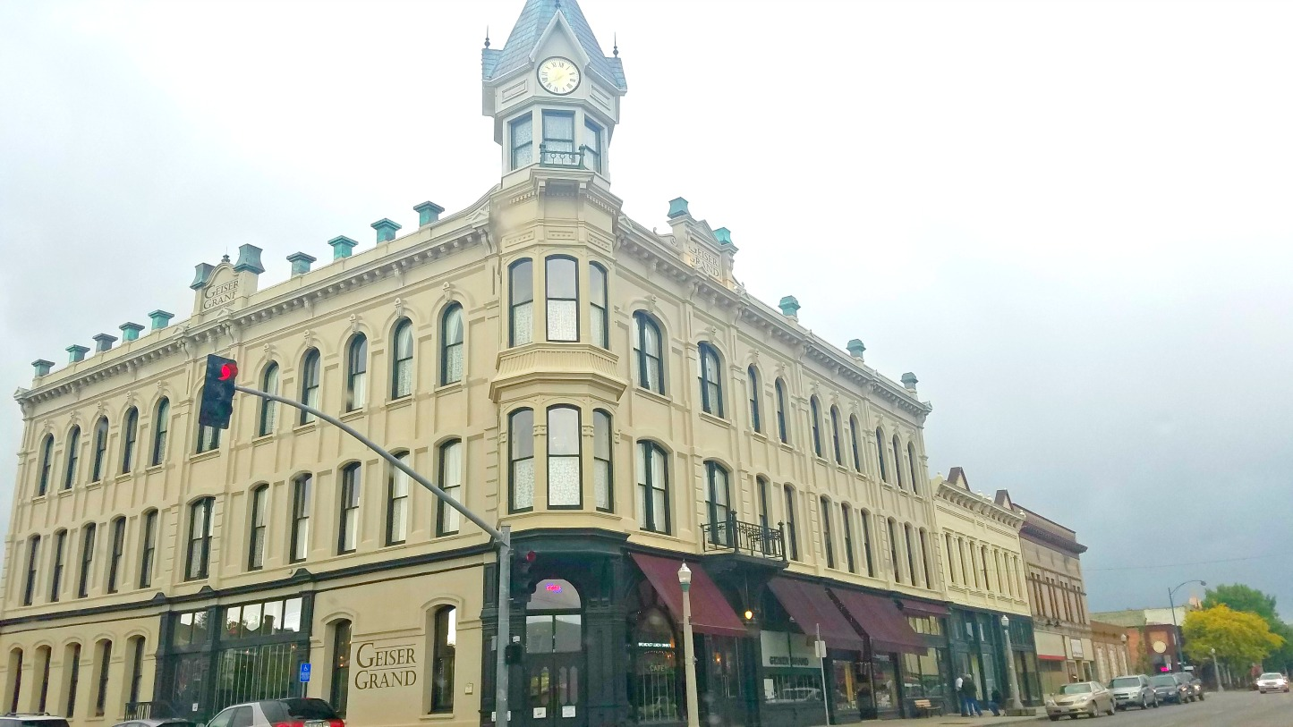 Hauntings At The Geiser Grand Hotel In Baker City Oregon